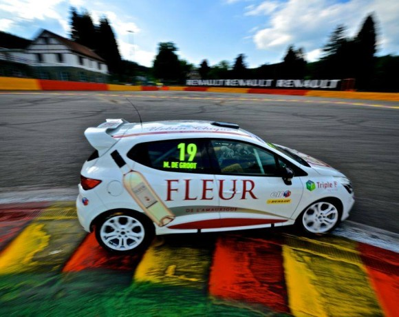 Win in the Renault Clio Cup